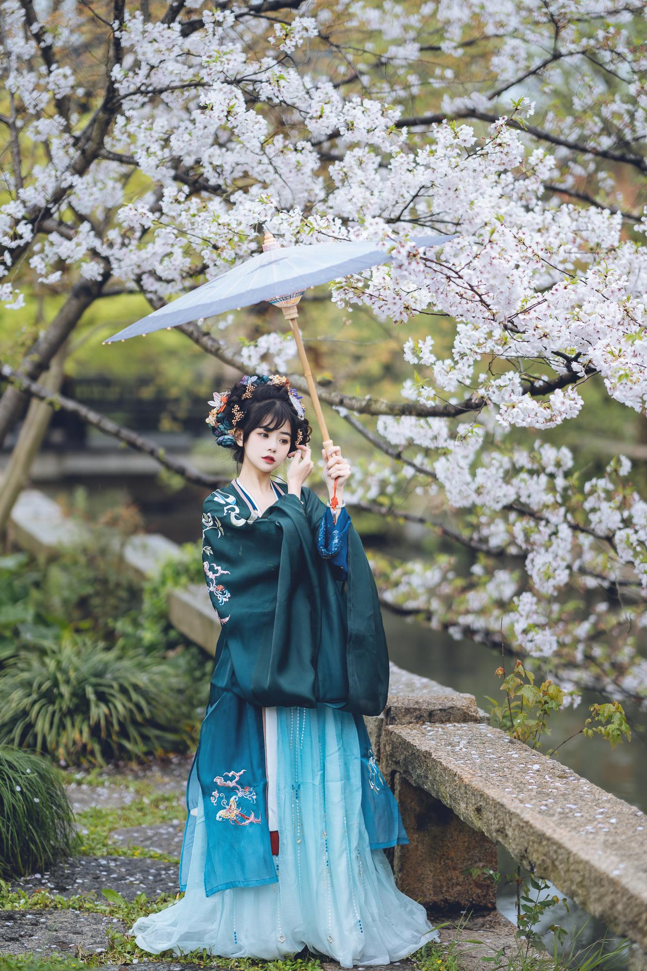 春花集 III 拍着拍着下起了雨插图(4)